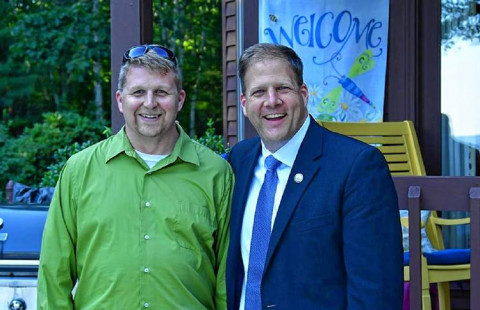 UNH Manchester alumnus runs for state representative