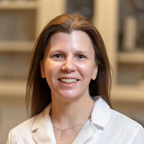 Dr. Sue Cooke headshot